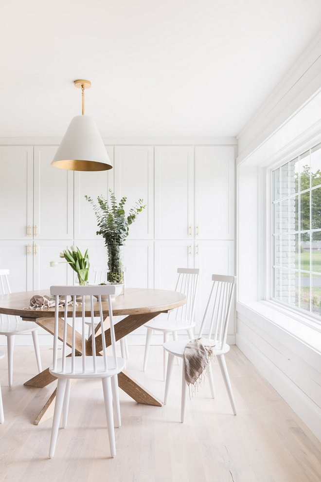 Benjamin Moore OC-152 Super White Kitchen cabinet extends to breakfast nook, painted in Benjamin Moore OC-152 Super White 2540 Love ©AlyssaRosenheck #BenjaminMooreOC152SuperWhite