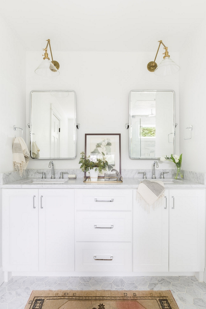 Super White by Benjamin Moore Paint Color Bathroom paint color Super White by Benjamin Moore Paint Color 2540 Love ©AlyssaRosenheck #SuperWhitebyBenjaminMoore #PaintColor
