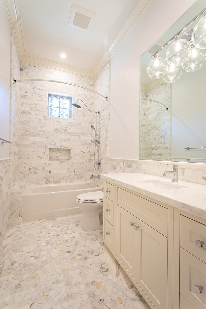 Benjamin Moore Decorators White Bathroom Paint Color Benjamin Moore Decorators White Bathroom Paint Color #BenjaminMooreDecoratorsWhite #Bathroom #PaintColor