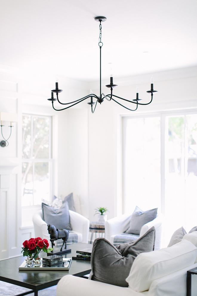 Living room chandelier Long arms chandelier black matte chandelier source on Home Bunch #chandelier #livingroomchandelier #longarmschandelier #blackmattechandelier
