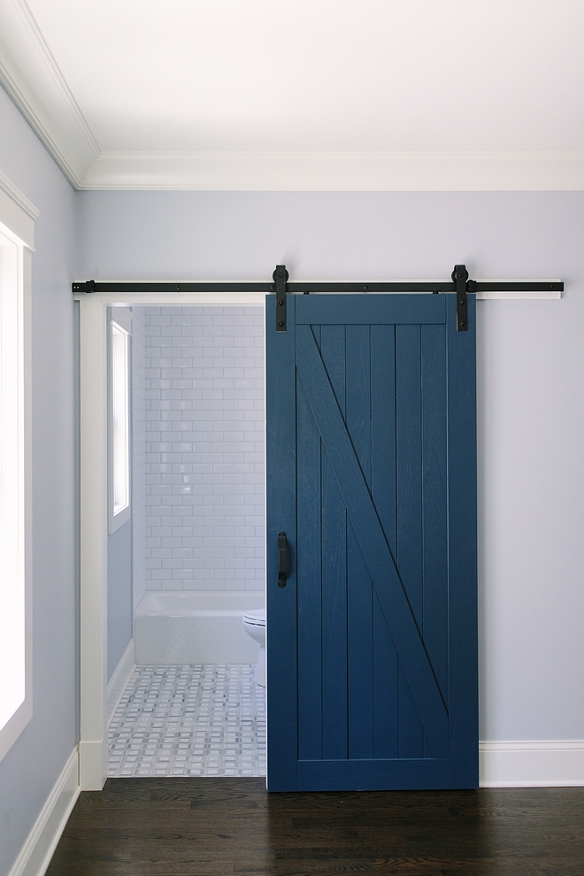 Newburyport Blue by Benjamin Moore Newburyport Blue by Benjamin Moore Barn door paint color #barndoor #NewburyportBluebyBenjaminMoore