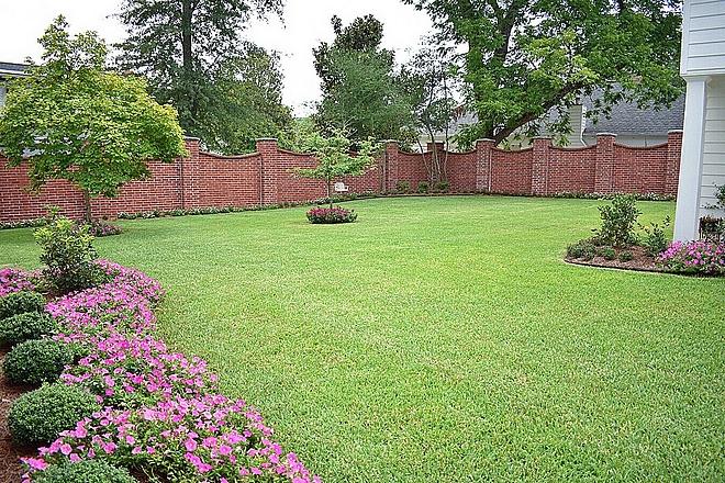 Brick fence Garden Home Design with brick Fence #brickfence #backyard #garden #home #design