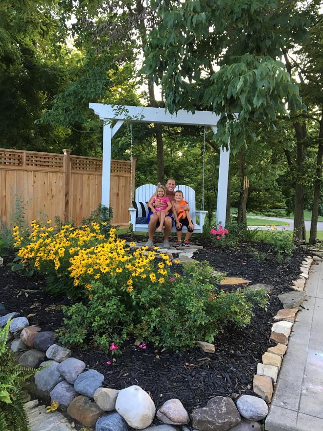 Backyard swing Family backyard ideas Backyard swing #backyard #swing #Backyardswing