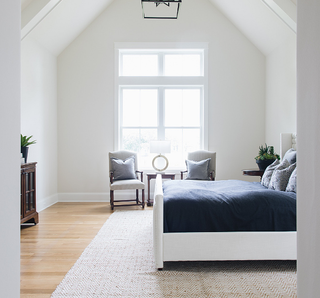 Bedroom vaulted ceiling with beams This gorgeous master bedroom features impressive vaulted ceiling with beams #bedroom #vaultedceilingwithbeams