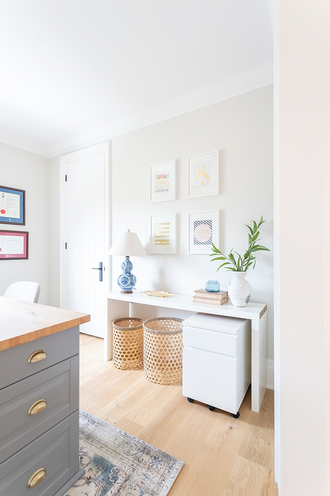 Benjamin Moore OC-23 Classic Gray Best grey ever invented Goes with everything! Benjamin Moore OC-23 Classic Gray Benjamin Moore OC-23 Classic Gray #BenjaminMooreOC23ClassicGray