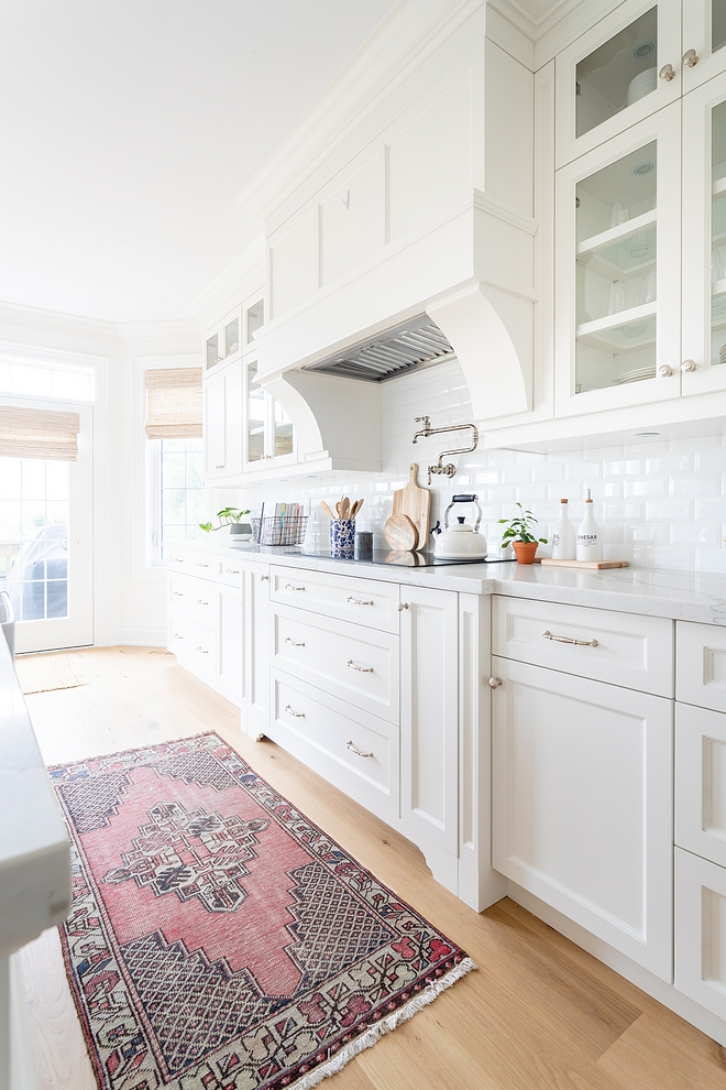Cabinet Colour Simply White by Benjamin Moore Cabinet Paint Colour Simply White by Benjamin Moore Cabinet Colour Simply White by Benjamin Moore #CabinetColour #SimplyWhitebyBenjaminMoore