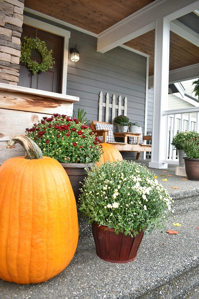 Welcoming Fall Porch decor