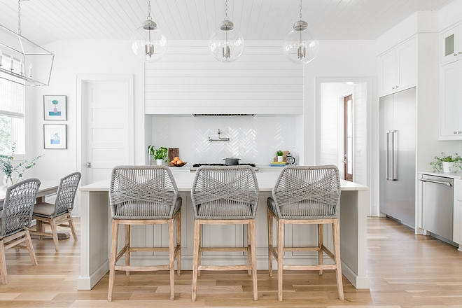 Chantilly Lace by Benjamin Moore OC-65 Crisp white kitchens always feel so clean and fresh Paint color is Chantilly Lace by Benjamin Moore OC-65 #ChantillyLacebyBenjaminMoore #BenjaminMooreOC65 #BenjaminMoore #crispwhitekitchens