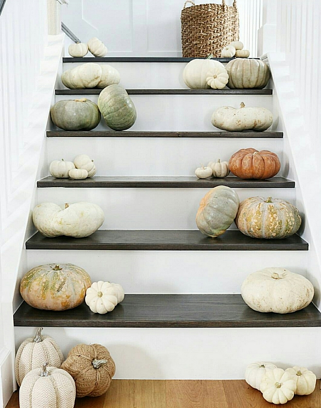 Pumpkin Staircase Decorating Ideas