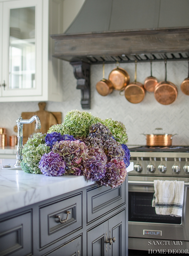 Kitchen Kitchen Sink Hydrangeas Kitchen #kitchen #kitchensink #hydrangeas