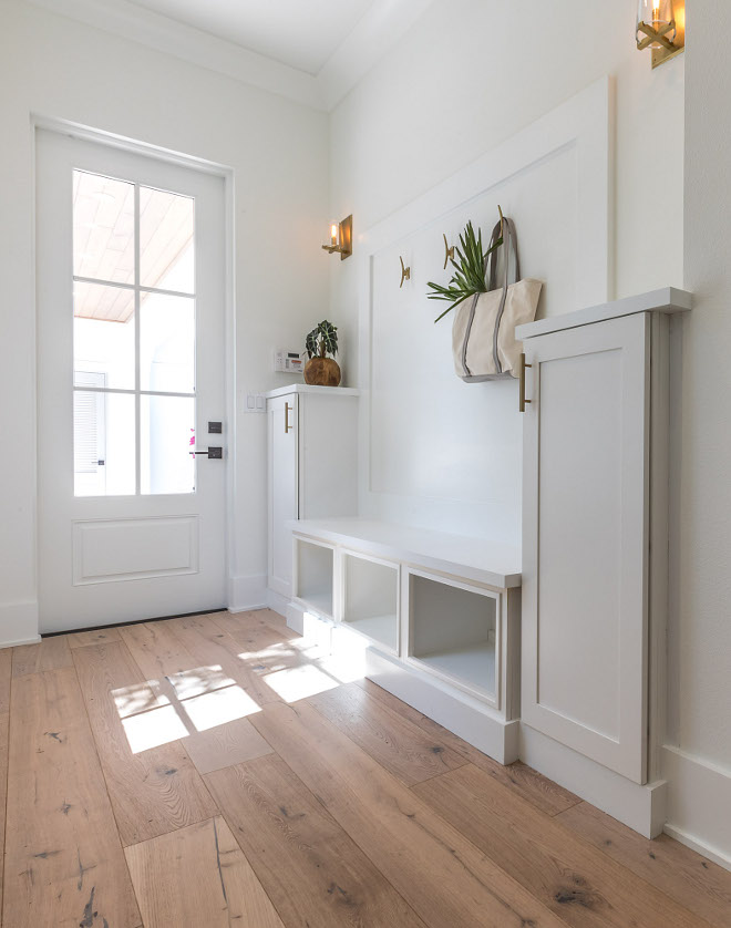 Mudroom Bench I like the idea of having a larger bench instead of having smaller lockers in a mudroom #mudroombench #mudroom #bench