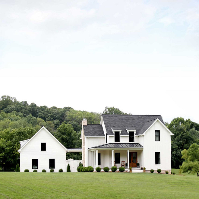 Modern Farmhouse with detached garage White Modern Farmhouse with detached garage plans Modern Farmhouse with detached garage Modern Farmhouse plans Modern Farmhouse #ModernFarmhouse #detachedgarage