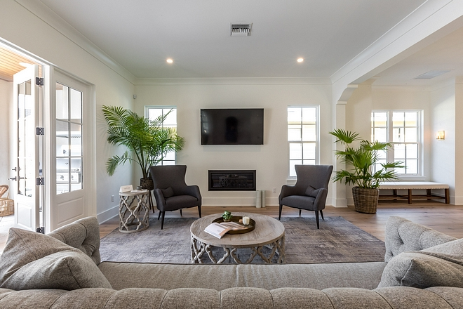 Sherwin Williams Pure White Ceiling throughout the house is painted in Sherwin Williams Pure White - flat #SherwinWilliamsPureWhite