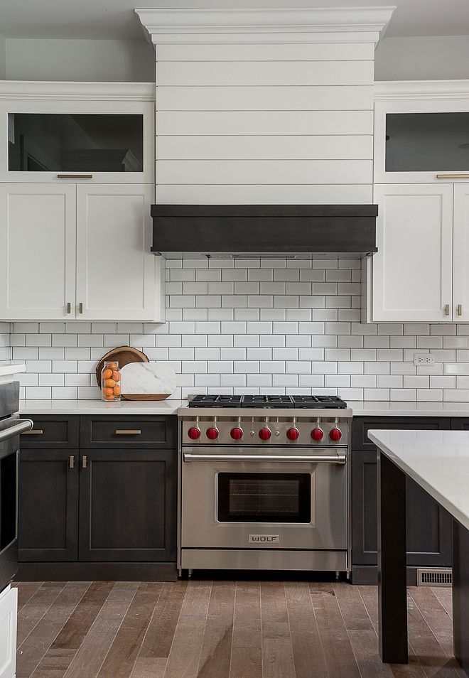 "Two-toned kitchens This is a great way to design a ""two-toned kitchen"" while keeping everything neutral Two-toned kitchen Neutral Two-toned kitchen #Twotonedkitchen #Twotonedkitchens #neutralkitchens"