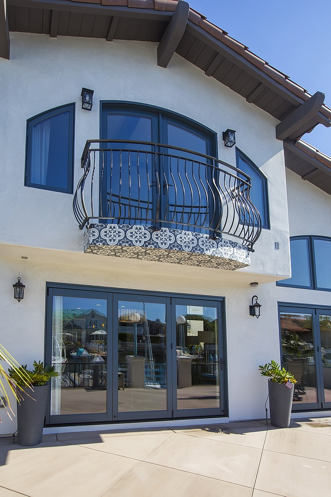 Spanish home balcony Metal balcony railing #Spanishhome #balcony #Metalrailing #balconyrailing