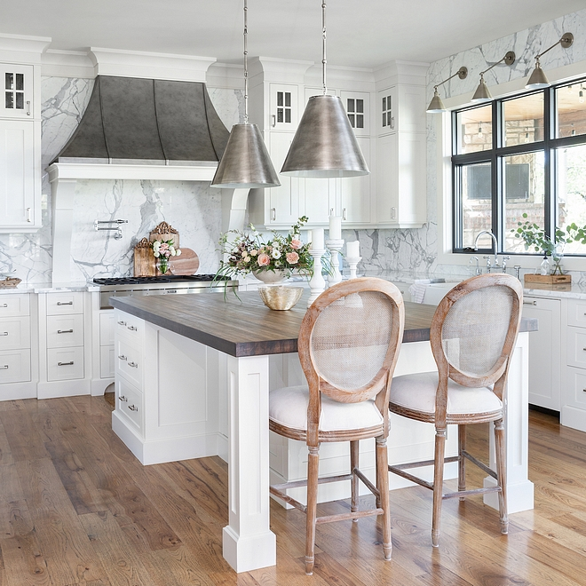 White French kitchen with zinc French hood and Statuario marble White French kitchen White French kitchen #WhiteFrenchkitchen #Whitekitchen #Frenchkitchen