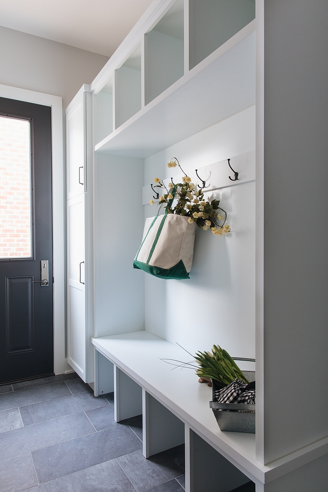 Sherwin Williams Extra White SW7006 Mudroom lockers painted in Sherwin Williams Extra White SW7006 Sherwin Williams Extra White SW7006 Mudroom lockers painted in Sherwin Williams Extra White SW7006 #SherwinWilliamsExtraWhite #SW7006 #Mudroom #lockers