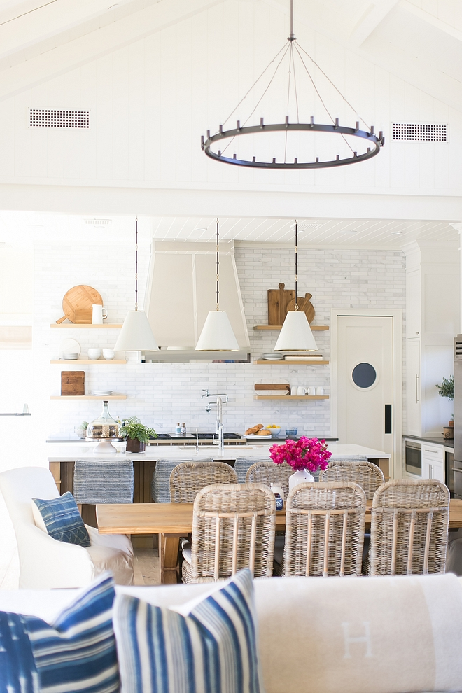 Casual Coastal Farmhouse Kitchen and dining room Casual Coastal Farmhouse Kitchen and dining room design Casual Coastal Farmhouse Kitchen and dining room elements #Casualinteriors #CoastalFarmhouse #Kitchen #diningroom