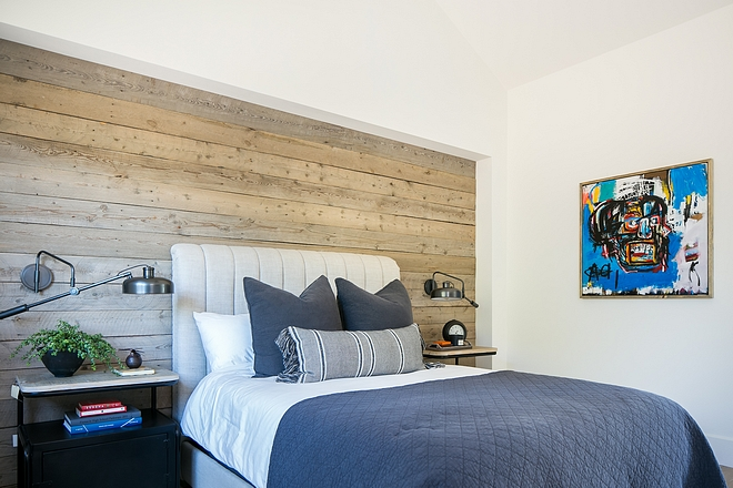Modern farmhouse bedroom with barnwood shiplap Teen Modern farmhouse bedroom with barnwood shiplap #Modernfarmhousebedroom #barnwoodshiplap