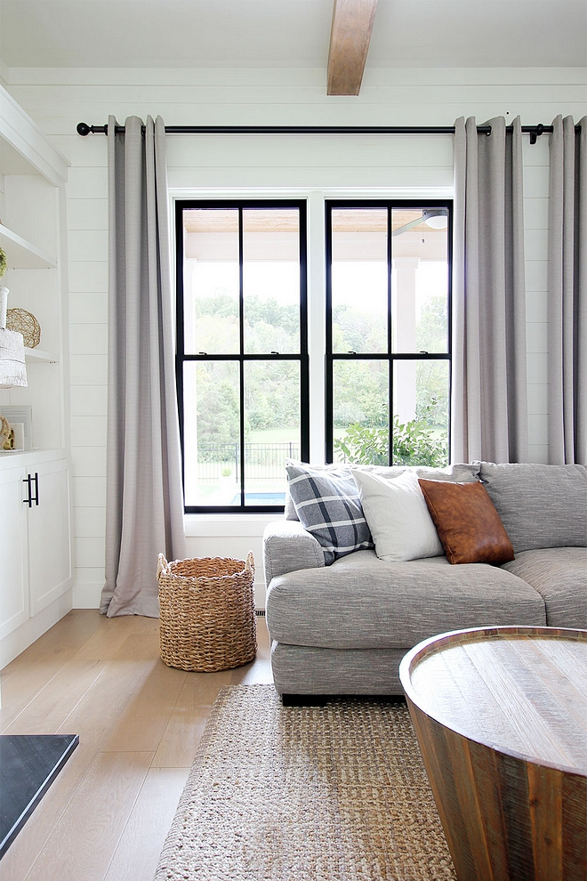 Black Window paint color Sherwin Williams Tricorn Black Satin Finish How to give your wood windows a black metal look Black Window paint color Sherwin Williams Tricorn Black #BlackWindow #windowpaintcolor #SherwinWilliamsTricornBlack