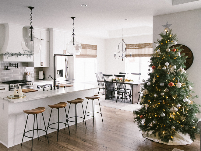 Christmas Breakfast Nook Christmas Breakfast Nook Christmas Breakfast Nook Decoration Ideas How to decorate Breakfast Nook for Christmas Christmas Breakfast Nook #Christmas #BreakfastNook
