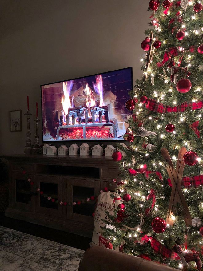 Since I don't have a fireplace I have to make do with Netflix Christmas Fireplace
