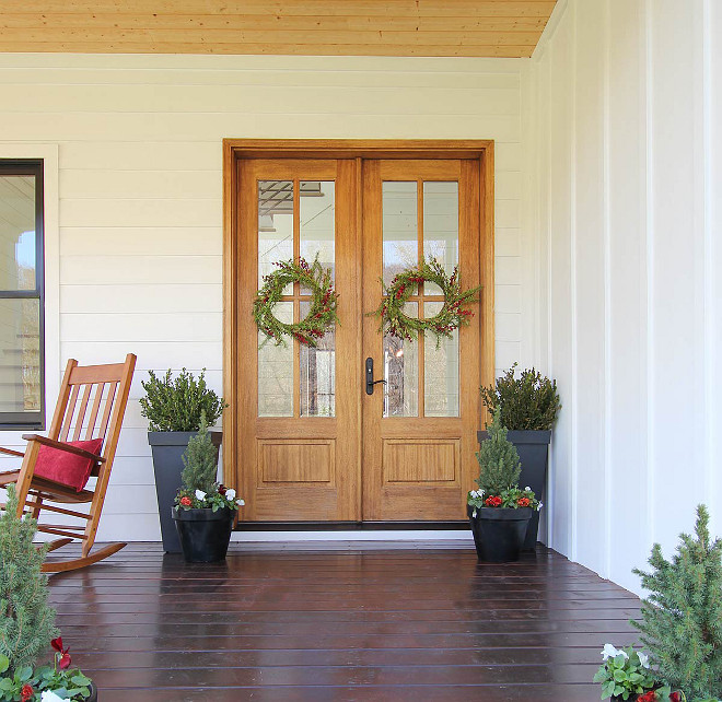 christmas-front-porch-farmhouse-christmas-front-porch