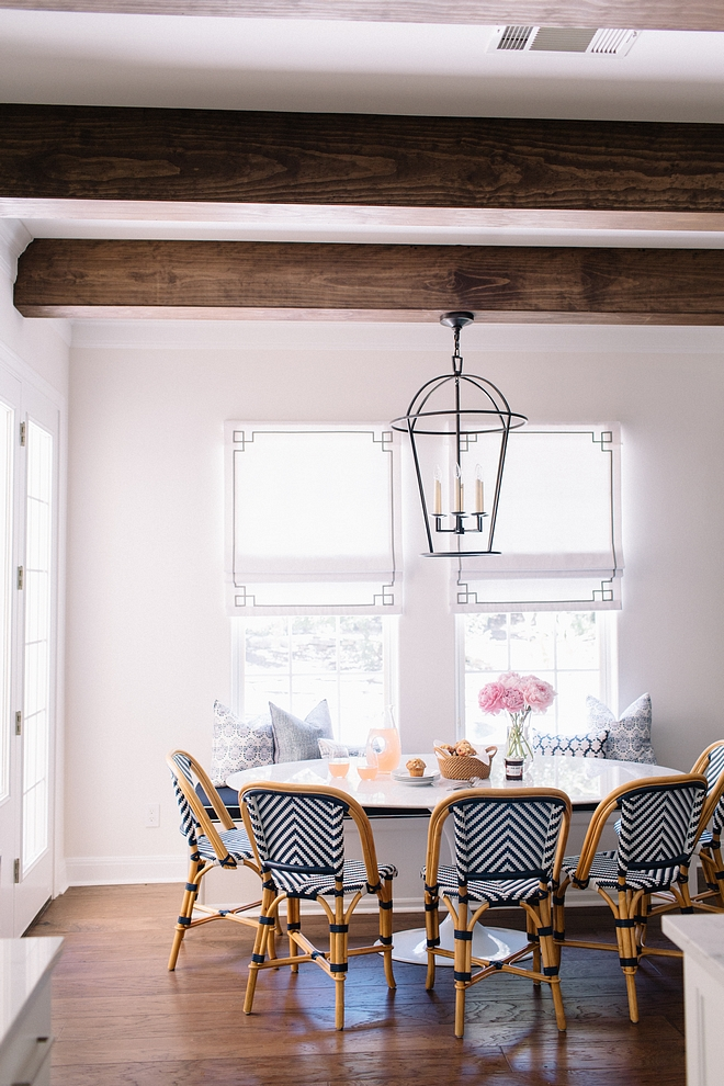The Tulip table has a Marble oval top Breakfast room with The Tulip table has a Marble oval top The Tulip table has a Marble oval top #Tuliptable #Marbleovaldiningtable