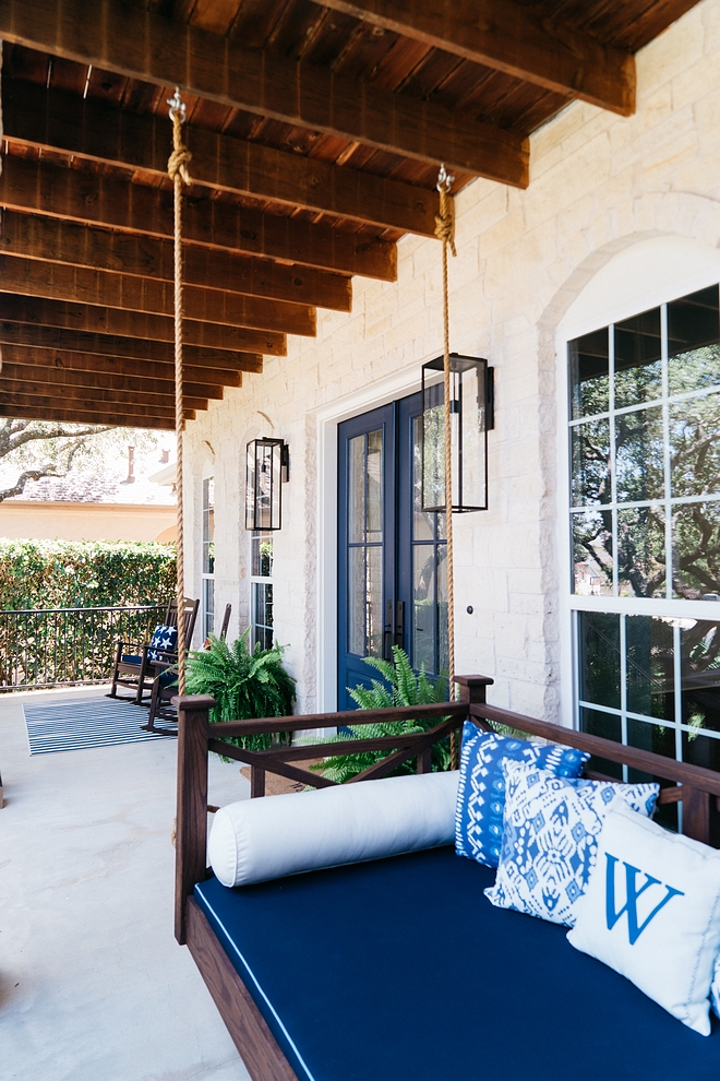 Front porch Blue and white front porch with blue front door and blue and white decor Front porch blue and white color scheme #fontporch #porch #blueandwhiteporch #blueandwhite #colorscheme #porchcolorscheme