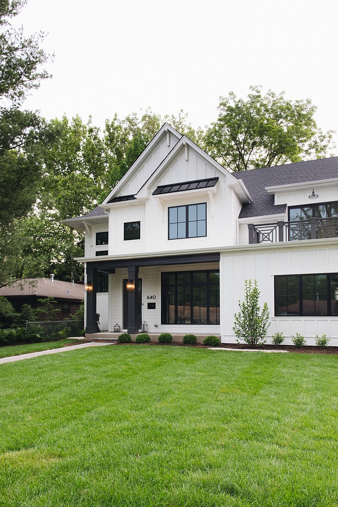 White Siding White House Paint Color Farrow and Ball All White Best white exterior paint color White Siding White House Paint Color Farrow and Ball All White #WhiteSiding #WhiteHouse #SidingPaintColor #FarrowandBallAllWhite #bestwhiteexteriorpaintcolor #whiteexterior #whitesidingpaintcolor