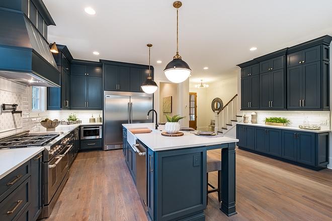 Navy blue kitchen Navy blue kitchen design Painted blue kitchen cabinet design ideas Navy blue kitchens Navy blue kitchen #Navybluekitchen #Navykitchen #bluekitchen