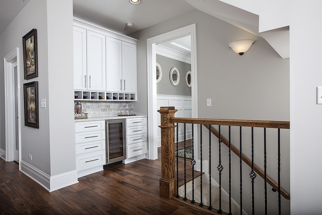 Just outside of the dining room you will find a very practical butler's pantry #butlerspantry