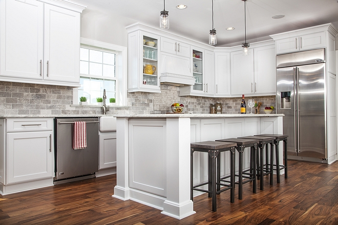 Pure White Sherwin Williams Kitchen Cabinet Paint Color Great wite color for cabinets Pure White Sherwin Williams Kitchen Cabinet Paint Color #PureWhiteSherwinWilliams #KitchenCabinetPaintColor