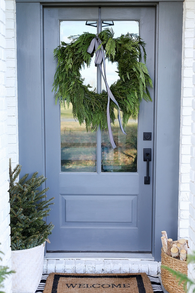 Benjamin Moore Chelsea Gray Grey Font Door Paint Color Benjamin Moore Chelsea Gray Choosing the right paint color for front doors Benjamin Moore Chelsea Gray Grey Font Door Paint Color Benjamin Moore Chelsea Gray #BenjaminMooreChelseaGray #GreyFontDoor #frontdoorPaintColor