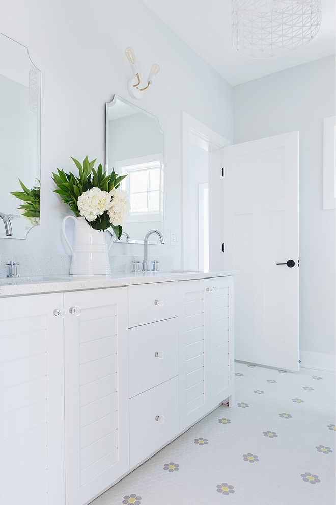 Sherwin Williams Extra White SW 7006 Best white paint colors for cabinets Sherwin Williams Extra White SW 7006 Sherwin Williams Extra White SW 7006 Sherwin Williams Extra White SW 7006 #SherwinWilliamsExtraWhite #SW7006 #bestwhitecabinetpaintcolor #bestwhites #whitepaintcolors