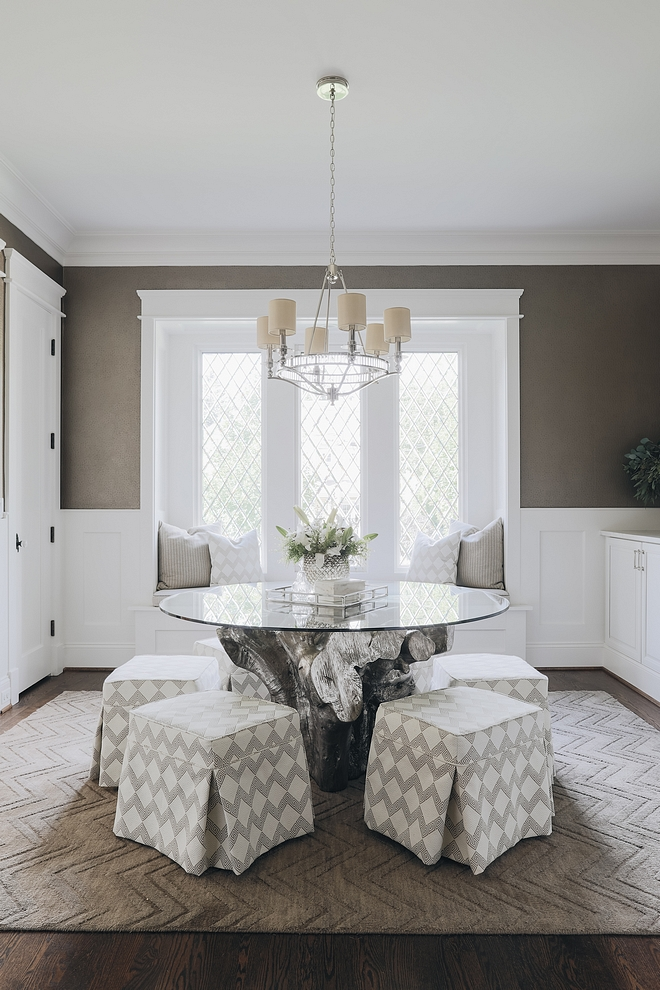 Small Dining Room with round dining table Tricks and Tips to design a small dining room #Smalldiningroom #diningroom