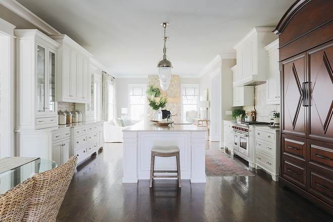 Classic Kitchens Classic white kitchen Kitchens White classic kitchen Classic Kitchen #ClassicKitchen #ClassicKitchens #ClassicwhiteKitchen