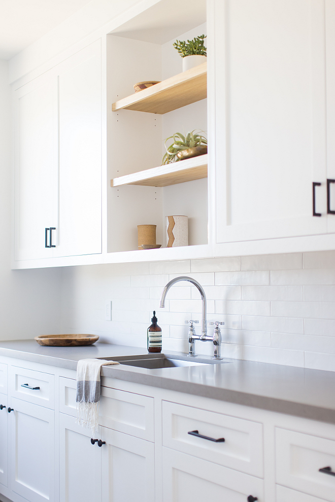 Open Shelves between closed cabinets Laundry room with open shelves between cabinets Open Shelves between closed cabinetry Open Shelves between closed cabinet #OpenShelves