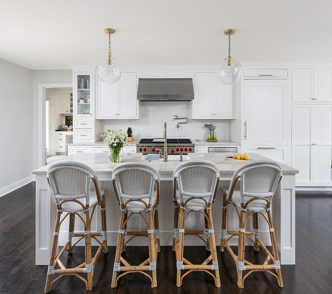 Best Crisp White Paint Color for Kitchens Interior Designer Choices Best Crisp White Paint Color for Kitchens List of best white paint colors Interior Designer Choices Best Crisp White Paint Color for Kitchens #InteriorDesignerChoices #BestCrispWhitePaintColor #WhiteKitchens #InteriorDesigner #paintcolor