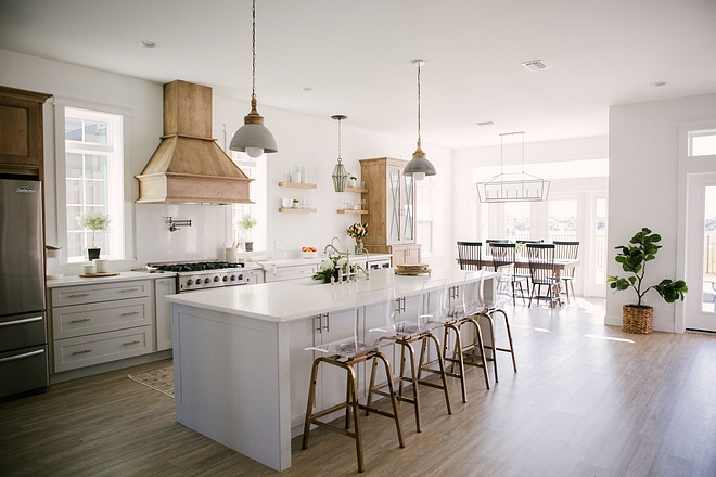 Open and Airy Kitchen Layout The kitchen is very spacious and it has an open and airy feel Open and Airy Kitchen Layout Ideas Open and Airy Kitchen Layout Open and Airy Kitchen Layout #Openkitchen #AiryKitchen #kitchenLayout