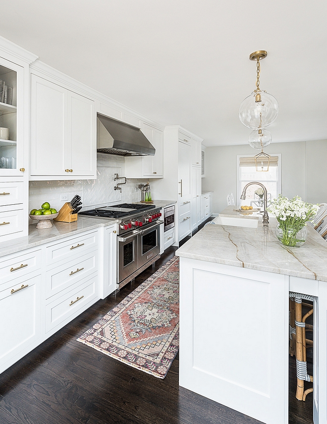 Benjamin Moore Super White Kitchen Cabinetry and Trim paint Color Benjamin Moore Super White Benjamin Moore Super White #BenjaminMooreSuperWhite