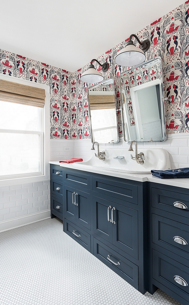 Benjamin Moore Hale Navy Bathroom cabinetry paint color is Benjamin Moore Hale Navy Kids Bathroom with navy vanity Benjamin Moore Hale Navy #BenjaminMooreHaleNavy #navyvanity #navypaintcolor
