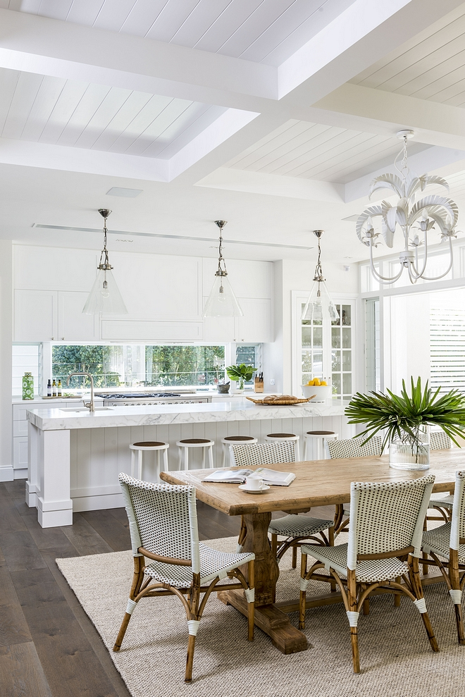 Crisp white kitchen with coffered ceiling I love kitchens of all colors but white is always a classic and truly timeless choice Crisp white kitchen with coffered ceiling #Crispwhitekitchen #whitekitchen #cofferedceiling