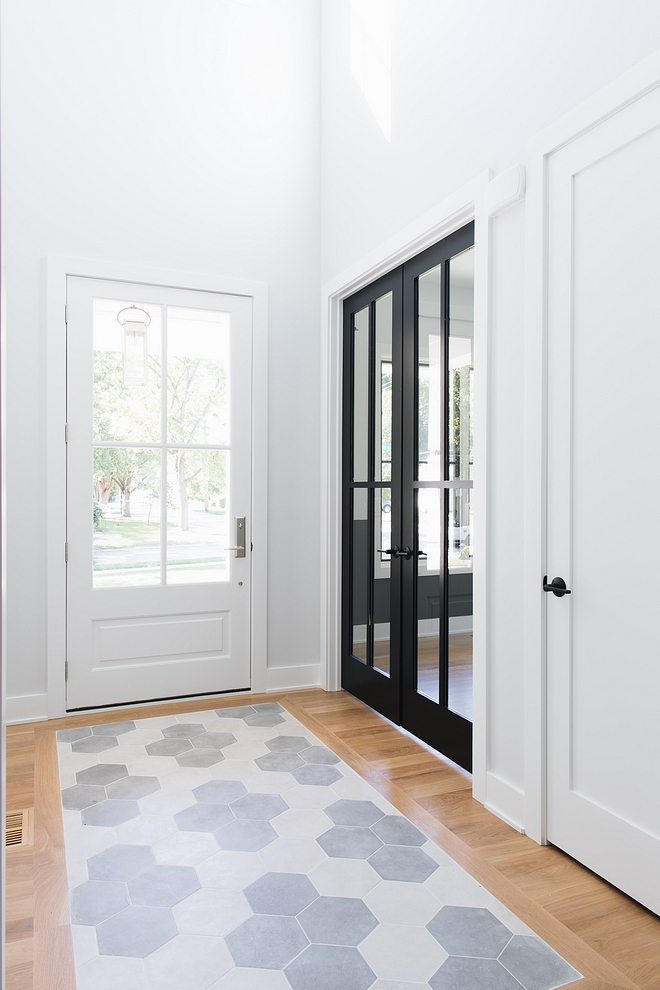 Sherwin Williams Tricorn Black Doors are Sherwin Williams Tricorn Black The black doors are painted in Sherwin Williams Tricorn Black Sherwin Williams Tricorn Black #SherwinWilliamsTricornBlack