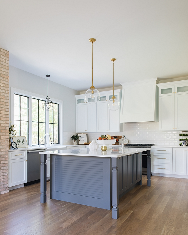 Sherwin Williams Site White This kitchen is adorable from every angle! Wall color is Sherwin Williams Site White #kitchen #kitchenpaintcolor #kitchencolor #paintcolor #SherwinWilliamsSiteWhite