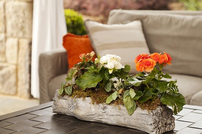 Outdoor Centerpiece Outdoor Centerpiece Coffee table centerpiece with faux log vase Outdoor Centerpiece #OutdoorCenterpiece