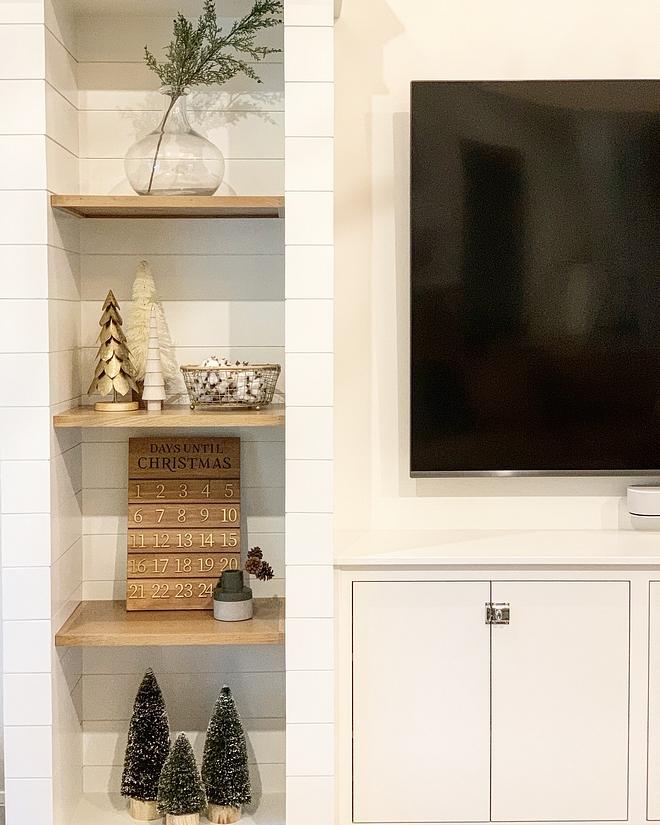 Shiplap-wrapped shelves Living Room Built ins Shiplap-wrapped shelves Shiplap-wrapped shelves #Shiplapwrappedshelves #Shiplapshelves #Shiplap #shelves