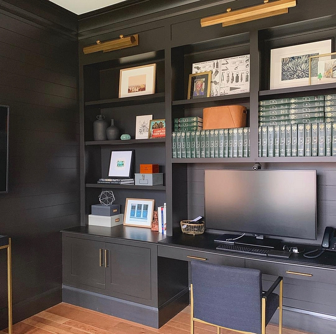 Black Cabinet Paint Color Sherwin Williams Black Magic is one of the best black paint colors for cabinetry Black Cabinet Paint Color Sherwin Williams Black Magic Black Cabinet Paint Color Sherwin Williams Black Magic #BlackCabinet #BlackCabinetPaintColor #SherwinWilliamsBlackMagic