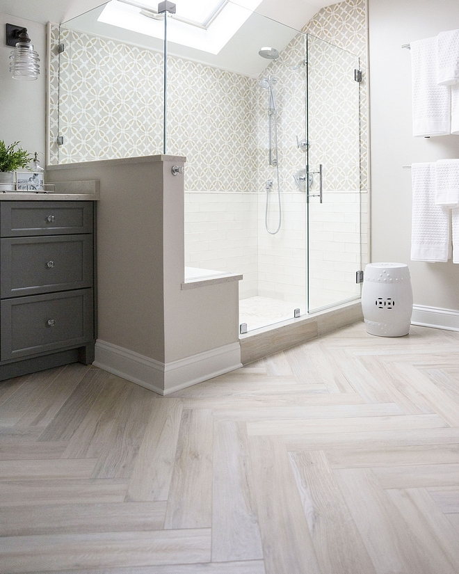 Porcelain Wood Look Tile Porcelain wood-look tiles bring warmth and character to this spacious master bathroom Porcelain Wood Look Tile Porcelain Wood Look Tile Porcelain Wood Look Tile #PorcelainWoodLooktile #WoodLooktile