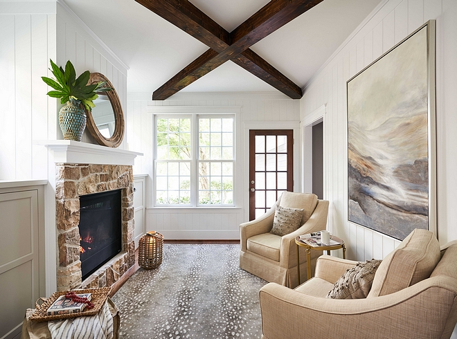 Benjamin Moore Simply White Tongue and Groove Keeping Room paint color Benjamin Moore Simply White Benjamin Moore Simply White #BenjaminMooreSimplyWhite